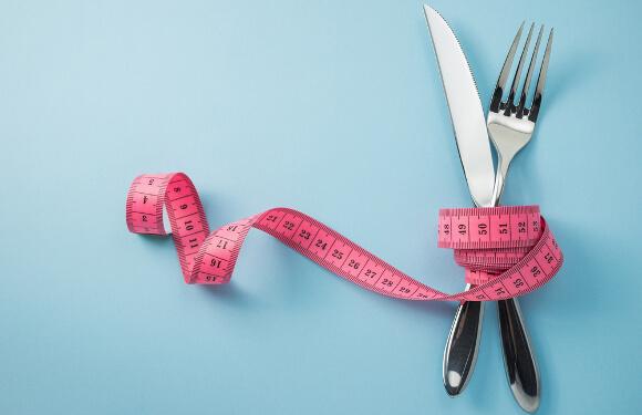 朝ごはんを食べると痩せる?