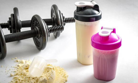 高タンパク質の食事とプロテイン