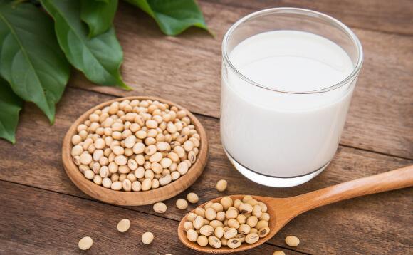 生理前の豆乳が効果的?