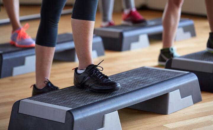 踏み台昇降のダイエット効果・カロリー&痩せるやり方!