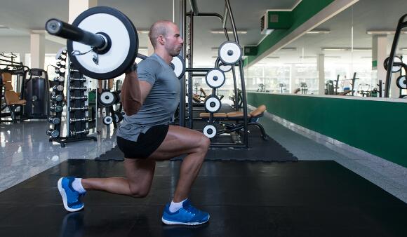 筋肉で脚が太い